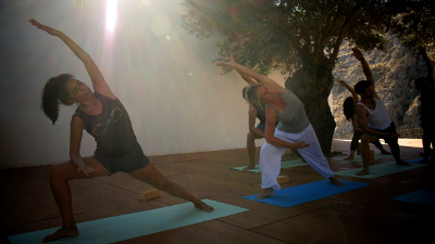 parsvakonasana-light-yoga-crete
